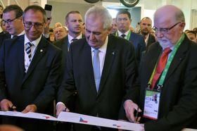 Miloš Zeman bei der Eröffnung des tschechischen Pavillons (Foto: ČTK)