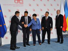 Robert Fico, Volodymyr Groysman, Beata Szydlo, Victor Orbán, Bohuslav Sobotka, photo: CTK