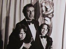 Miloš Forman reçoit cinq Oscars pour le film Vol au-dessus d'un nid de coucou, photo: repro Petr Jiras, Miloš Forman / Ottovo nakladatelství