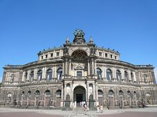 Semperoper in Dresden (Foto: Alexander Bock, Creative Commons 3.0)