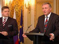Les Premiers ministres Robert Fico et Mirek Topolanek, photo: CTK