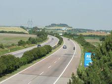 Autobahn D11 (Foto: Filip Jirsák, CC BY-SA 3.0)