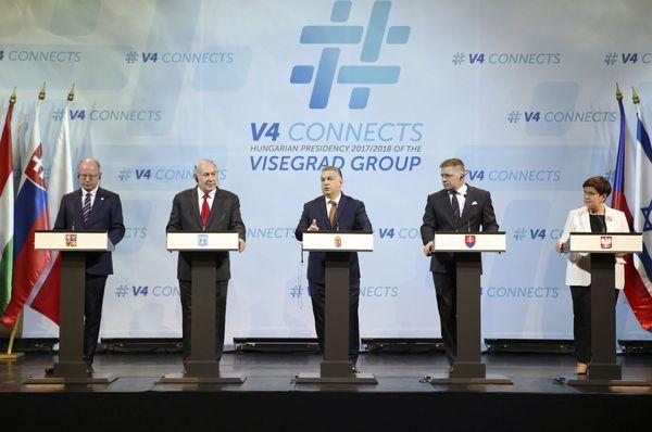 Czech PM Bohuslav Sobotka, Benjamin Netanyahu, Hungarian PM Viktor Orban, Slovakian PM Robert Fico and Polish PM Beata Szydlo, photo: CTK