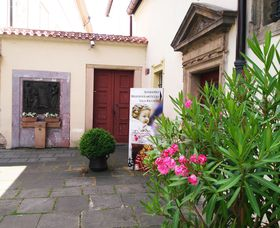 La entrada al monasterio, foto: Enrique Molina