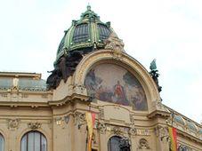 Prague's Obecni Dum