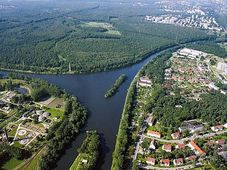 Part of Odra-Dunaj canal in Poland, photo: Jaroslav Kubec, CC BY-SA 3.0