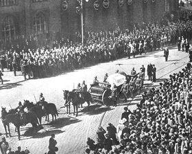 Pohřební průvod srakví T. G. Masaryka, foto: ČT