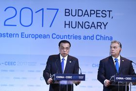 Le Premier ministre chinois Li Keying et son homologue hongrois Viktor Orban, photo: ČTK