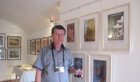 Stanislav Špelda in der Galerie Netopýr (Foto: Martina Schneibergová)