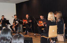 Actuación en el Instituto de Cervantes, foto: Julia Rios