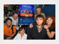Věra Chytilová a Kateřina Irmanovová(vzadu) při premiéře filmu Hezké chvilky bez záruky, foto: ČTK
