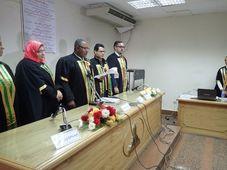 Экзаменационная комиссия и Ибрагим Maнсур, Фото: Штепан Махачек, Чешское Радио