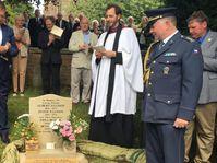 Gedenkstein am Grab der Ellisons (Foto: Archiv der tschechischen Botschaft in London)