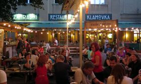 Gartenrestaurant Klamovka (Foto: Archiv von Matěj Černý)