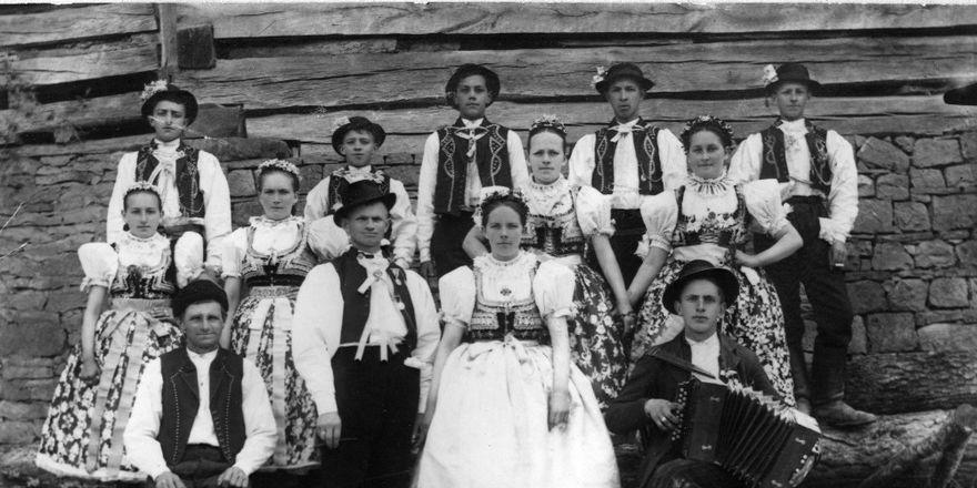 Hochzeit in Zálesí um 1925 (Foto: Archiv des Museums des südöstlichen Mährens in Zlín)