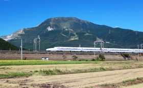 High speed train in Japan, photo: Alpsdake, CC BY-SA 4.0