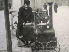 Na přelomu předminulého a minulého století se o adventu objevovali v pražských ulicích prodavači pečených kaštanů