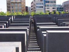 Holocaust-Mahnmal - Památník holokaustu (Foto: Me - Bhu z Crecelu, Wikimedia CC BY 3.0)