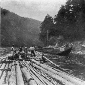 Flößer an der Moldau 1903 (Foto: Public Domain)
