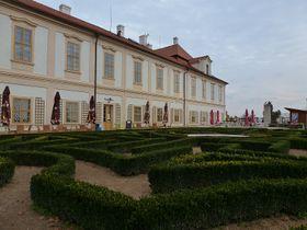 Schloss Loučeň (Foto: Masha Volynsky)