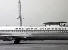 El avión DC-9 de la compañía aérea yugoslava Inex Adria Aviopromet, foto: ČT
