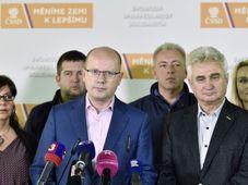 Bohuslav Sobotka (center), photo: CTK