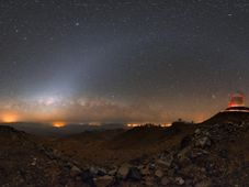 Zodiacal arc over La Silla, photo: Petr Horálek
