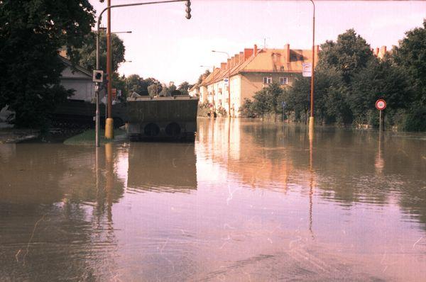 Fluss March 1997 (Foto: Bohumil Blahuš, CC BY-SA 3.0)