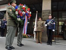 El acto conmemorativo frente a la Radiodifusión Checa, foto: Jiří Němec