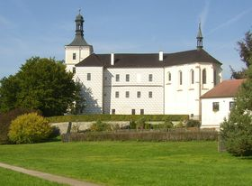 Le château de Březnice, photo : Miaow Miaow / public domain