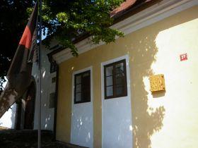 Husův dům shusitským praporem, foto: Zdeňka Kuchyňová