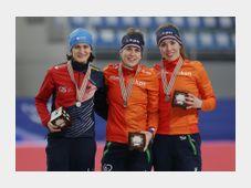 Zleva: Martina Sáblíková, Ireen Wüstová a  Antoinette de Jongová, foto: ČTK