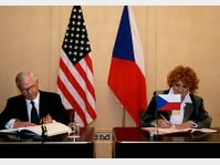 Robert Gates et Vlasta Parkanová, photo: CTK
