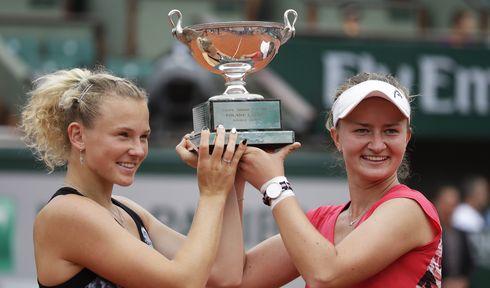 Kateřina Siniaková and Barbora Krejčíková, photo: ČTK/AP/Alessandra Tarantino