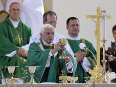 Pope Benedict XVI during the mass in Brno, photo: CTK