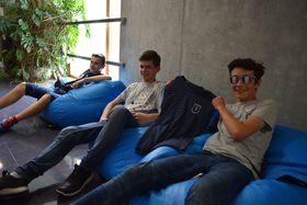 Alexis, Antoine et Bastien à Radio Prague, photo: Ondřej Tomšů