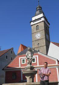 """Der Oberbürgermeister von Slavonice, Hynek Blažek, mit dem Preis """"Historische Stadt des Jahres"""" (Foto: Libor Karásek, Archiv der Vereinigung historischer Sitze in Böhmen, Mähren und Schlesien)"""