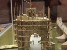 Le modèle de la construction du pont Charles, photo: Štěpánka Budková