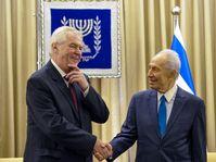 Miloš Zeman avec Shimon Peres, photo: isifa/Sipa-USA/Xinhua