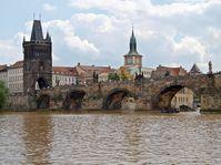 Karlsbrücke (Foto: Besenbinder, CC BY-SA 3.0)