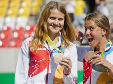 Lucie Šafářová (vlevo) a Barbora Strýcová, foto: ČTK