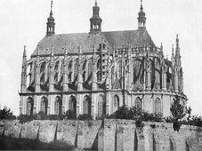 St. Barbara Kirche (Foto von Andreas Groll, Public Domain)
