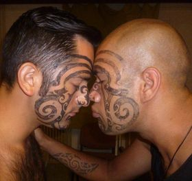 Hongi - a traditional Māori greeting, photo: Kateřina Svobodová / archive of Whakaari Rotorua