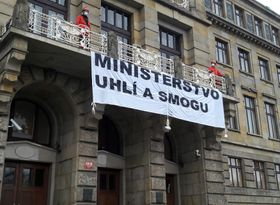Greenpeace activists climbed on to a balcony at the Ministry of Industry and Trade and unfurled a banner declaring it the 'Ministry of Coal and Smog', photo: CTK