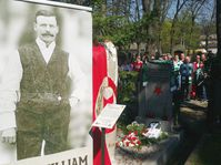 Glasgow Celtic and Prague Slavia fans pay homage to Johnny Madden, photo: Miroslav Pomikal