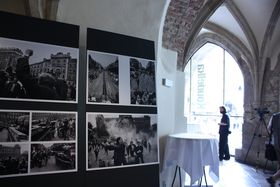 Foto de la exhibición de Josef Koudelka: Štěpánka Budková