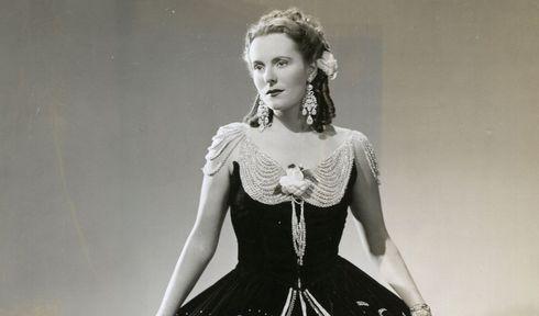 Jarmila Novotná v roli Violetty, La Traviata, foto: Wide World Studio