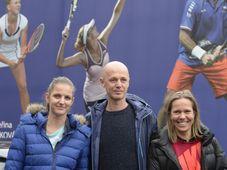 Karolína Plíšková, Petr Pála a Lucie Hradecká, photo: ČTK