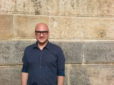 Martin Pošta, by the wall at the Náplavka quay, foto: Ian Willoughby