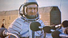 Владимир Ремек в космическом скафандре, фото: ЧТ24